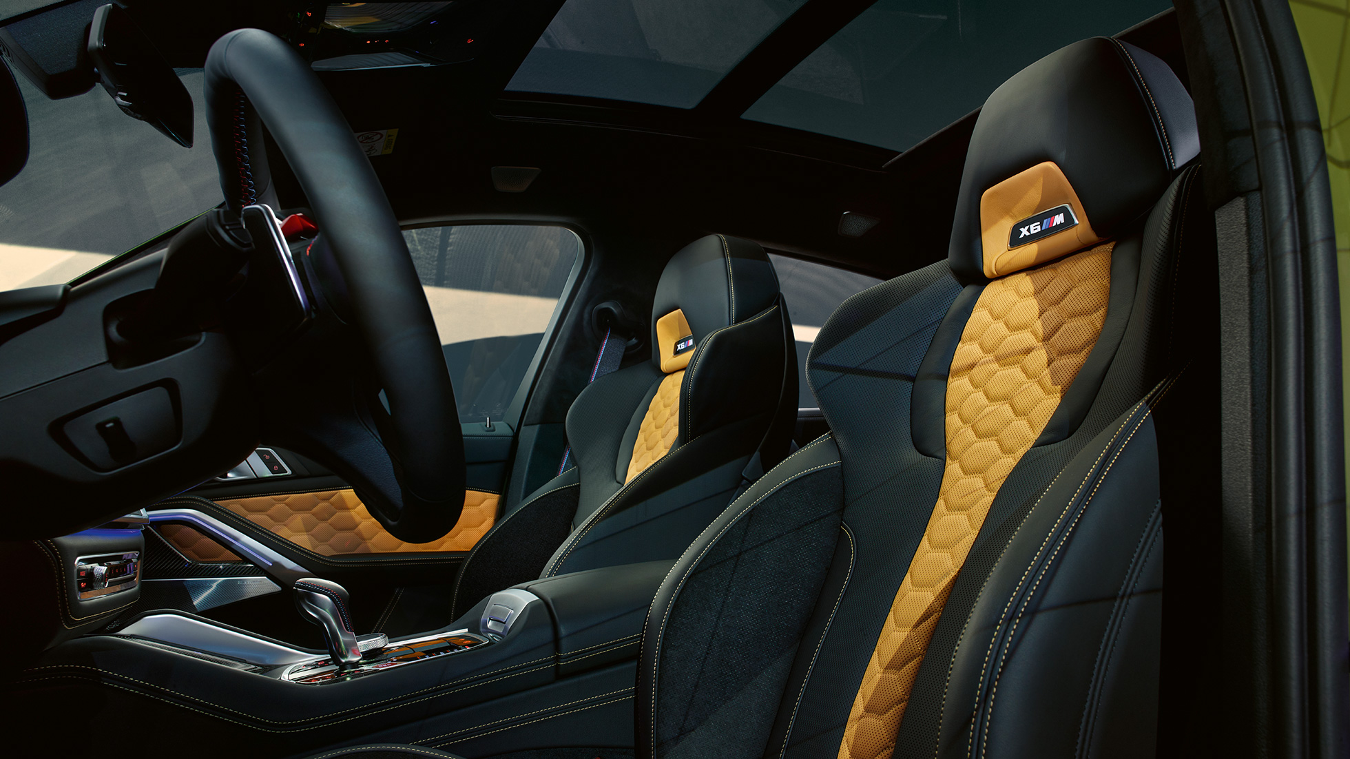 M Multifunctional seats with illuminated X6 M logo BMW X6 M Competition F96 interior